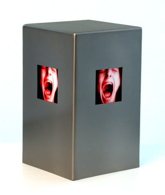 red scream in a box�